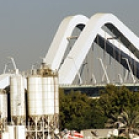 "Sheikh Zayed Bridge • <a style=""font-size:0.8em;"" href=""http://www.flickr.com/photos/66436184@N00/5285036195/"" target=""_blank"">View on Flickr</a>"